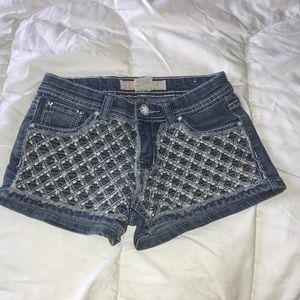 Embroidered denim shorts 10